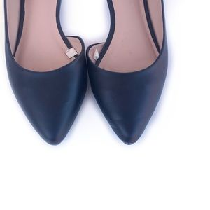 Casual black cut-out ballet flat